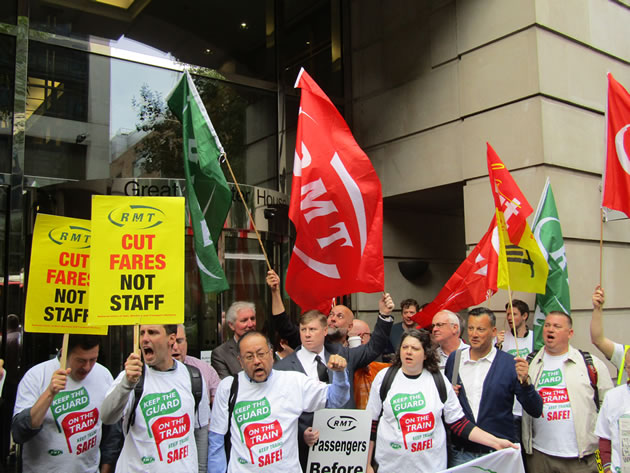 Southern Rail Strike: RMT Offers to Suspend Industrial Action