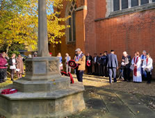 Southfields Mosque Elders Lay Wreath On Remembrance Sunday